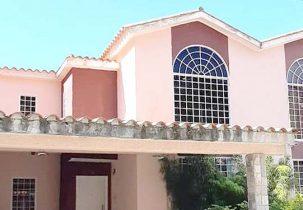 Fachada Casa Venta Residencias Lomas del Rocío Urbanización La Entrada Naguanagua