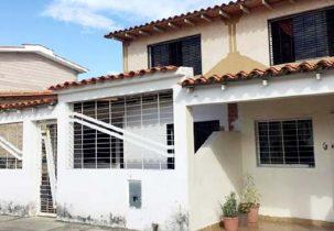 Fachada Casa Venta Urbanización Villas de Las Caracaras San Diego